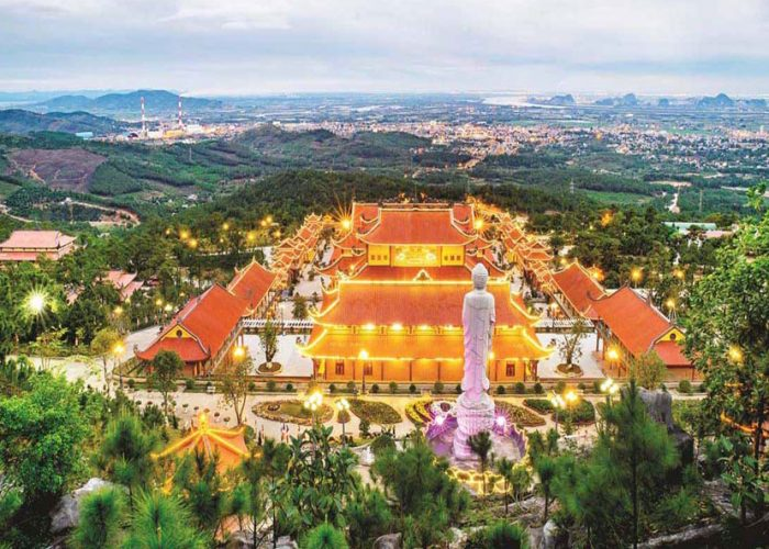 Tour du lịch Yên Tử - Chùa Ba Vàng 1 ngày giá rẻ từ Hà Nội - Bigtravel.vn